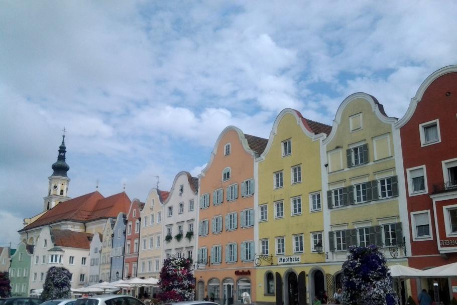 The town center of Schärding, Austria